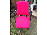 Hot pink computer desk Orthopaedic chair