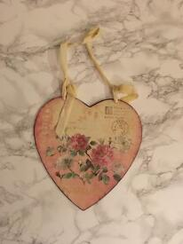 Hanging Metal Floral Heart