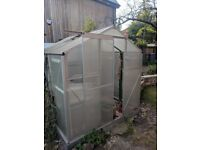 6FT X 6FT Greenhouse, Plastic Window panes! Easy collection.