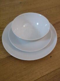 White stoneware dining set 4 settings