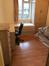 Share room available now, by Fulham Road, 5min walk to Station