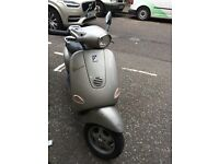 Piaggio Vespa ET4 50cc (Silver) 2004 good condition low mielage