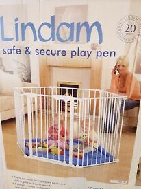 Lindam safe and secure playpen white