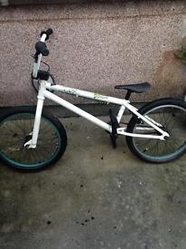Verde vex BMX bike