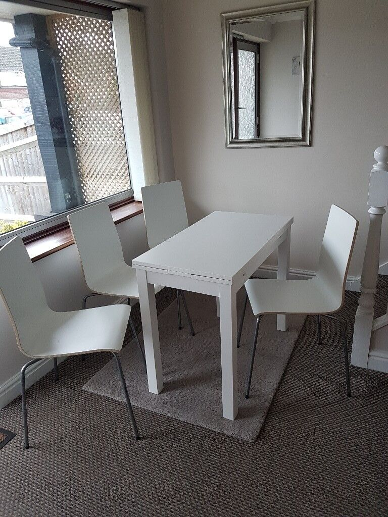 Ikea dining table extendable + 4 chairs