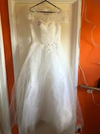 *brand new* wedding dress