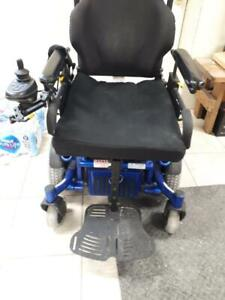 POWER WHEELCHAIR QUICKIE X IN GOOD CONDITION BLUE COLOR PRICE IS $ 950.00 FOR MORE DETAILS PLEASE CALL ME @ 647-781-8987