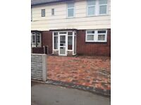 3 Bed House York Avenue Willenhall ** Available Now ** With Parking/Garden