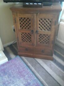Heavy wooden tv cabinet REDUCED!!!