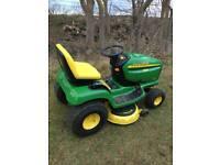 John Deer LT 170 lawn tractor