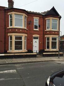 39 Oban Road L4 2SA, big 3 bedroom house off Priory Road £550 per month.
