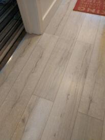 Kronotex Robusto Grey Rip Oak Laminate Flooring in grey woodgrain effect 9m2