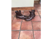 Brown leather Ankle UUG boots 6.5