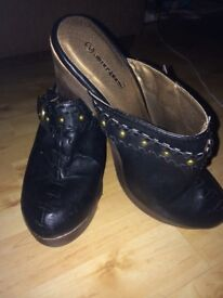 Brown and black faux leather clogs size 7