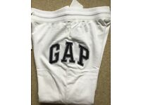 GAP joggers logo pants *NEW