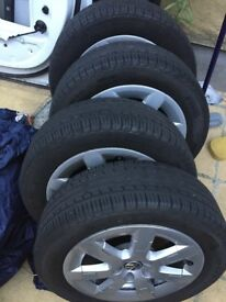 15inch pirelli tyres and alloys set