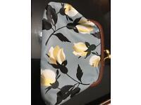 Flowery purse