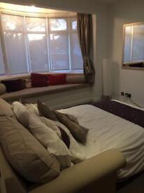 Large double room Hendon £600