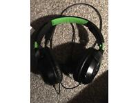 Turtle beach headset Xbox One, PS4 and Pc compatible.