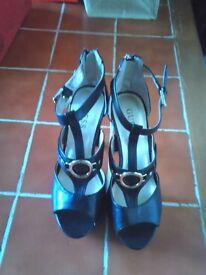 Womens Guess heels,