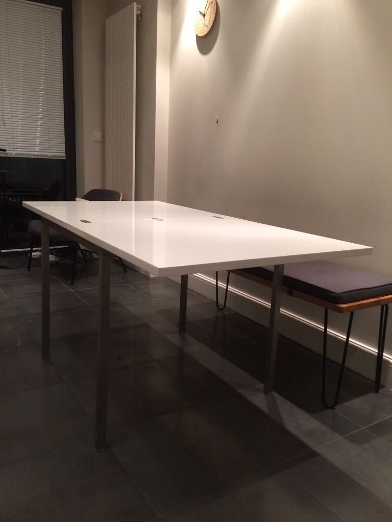 Flick Extending Dining Table From Dwell Excellent Condition