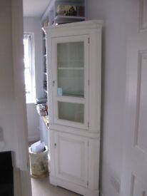 Corner Dresser Unit in Soft White