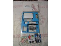 NINTENDO Wii CONSOLE BOXED WITH GOOD GAMES.