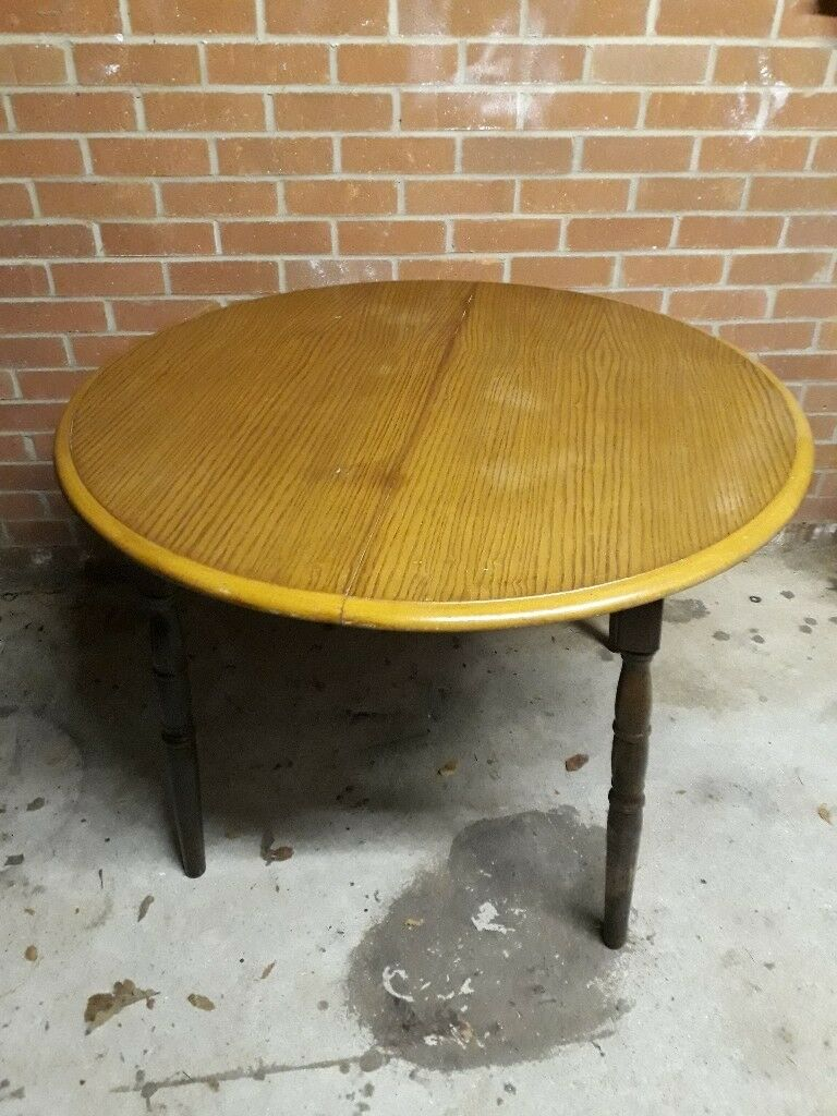 Solid Wood Round Dining Table Oak Top To Seat VGC Shabby Chic - Solid wood round dining table for 4