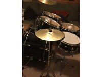 CB Drum kit in black