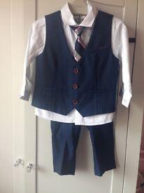 Next boys suit 12-18