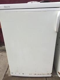 Servis under counter fridge and freezer