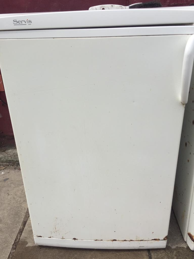Servis under counter fridge and freezerin Wavertree, MerseysideGumtree - Servis under counter fridge and freezer (matching set), has some rust on front and sides as tried to show on pics but other than that full working order. £25 each or 40 for both