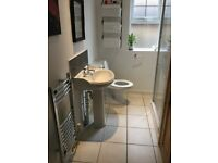 White shower suite