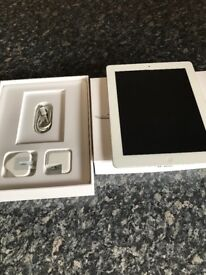 Ipad 4, lightning charger, 16gb and box, excellent condition and perfect working order