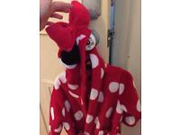 Girls age 2-3 Minnie Mouse dressing gown.