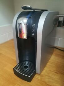 Verissimo coffee machine £15 Ono.