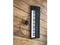 Yamaha PortaSound PSS-170 Voice Bank Electronic Keyboard