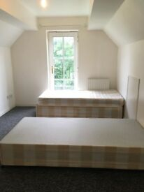 *Lovely Ensuite Double room in a 5 bedroom house Finchley central N3 2RU £180