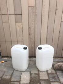 2x. 25 litre water containers