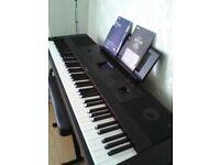 YAMAHA PORTABLE GRAND D G X-660 KEYBOARD/PIANO