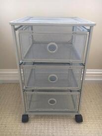 Mesh drawer unit