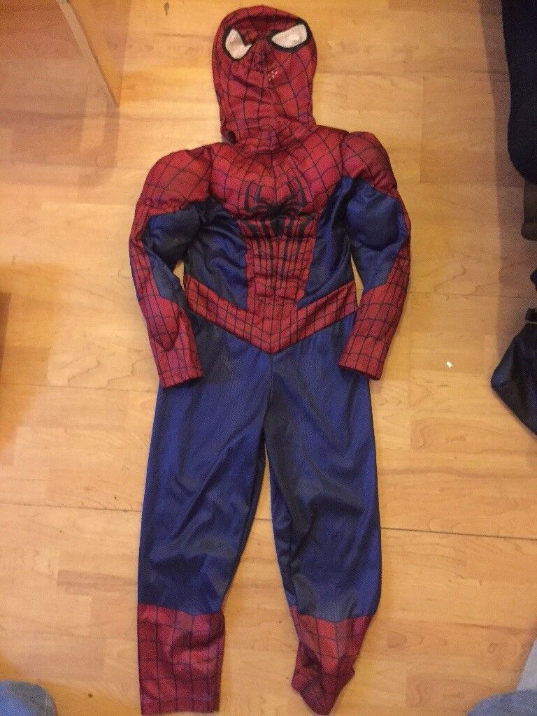 Disney store Spider-Man dress up with hood age 5-6