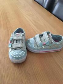 Girls Skechers twinkle toes size uk 7