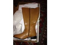 Extra wide tan/brown boots brand new
