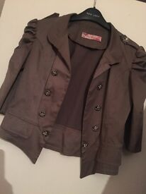 Army Green Wait coat can fit size 10-12 only £10