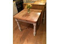 Beautiful barleytwist extending table - Annie Sloan country grey