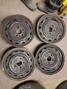 4 RIMS 16'' 5 X 127 (5'') AVEC CAPS DE ROUES / 120$