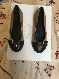 Burberry Girls shoes size 29 ( children's )