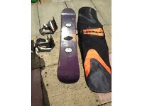 BARGAIN SNOWBOARDING SET, BOARD/BINDINGS AND BAG!!!