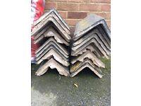 19 x used roof ridge tiles